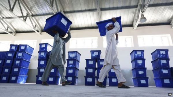 Top Afghan election official quits over fraud claims - BBC ...