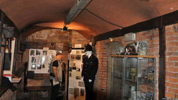 Derby Police Museum opens again after 10 years - BBC News