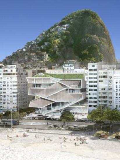 Projeção do MIS em meio a Copacabana