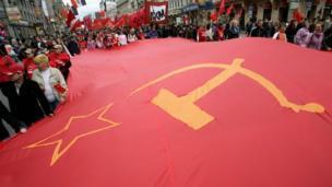 putin restored soviet symbols