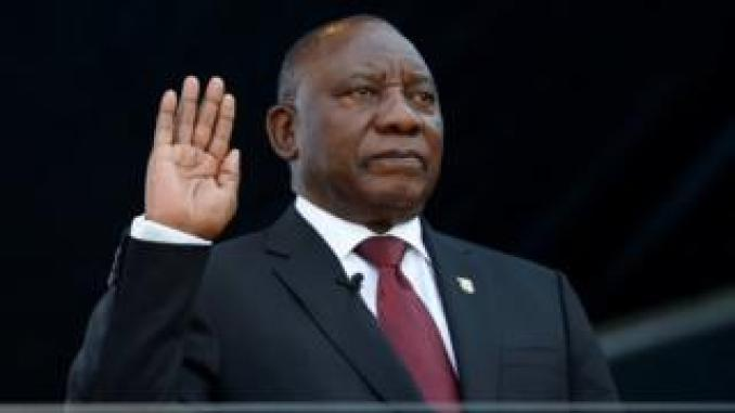 Cyril Ramaphosa taking the oath of office o nMay 25