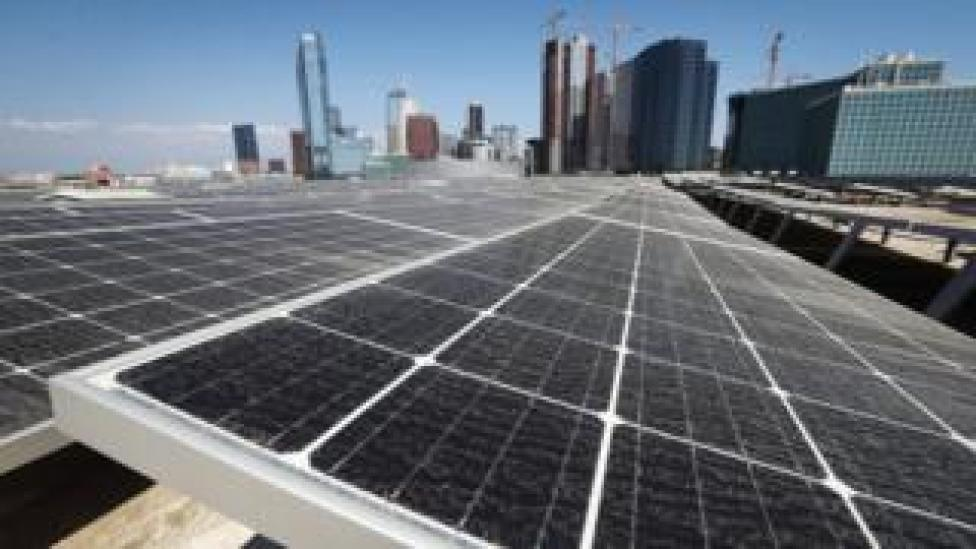 NEWS Solar panels installed in Los Angeles