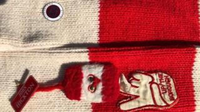 Ali's scarf