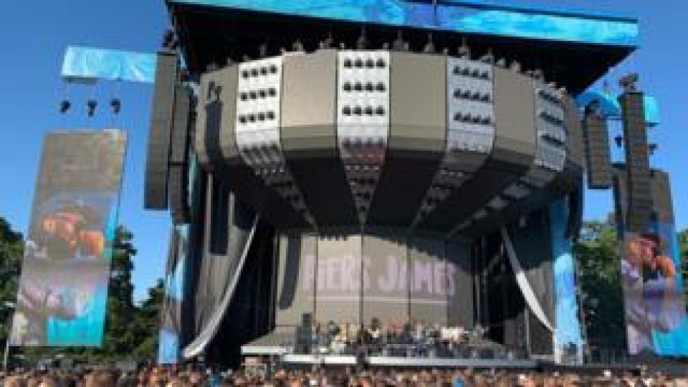 Ed's stage