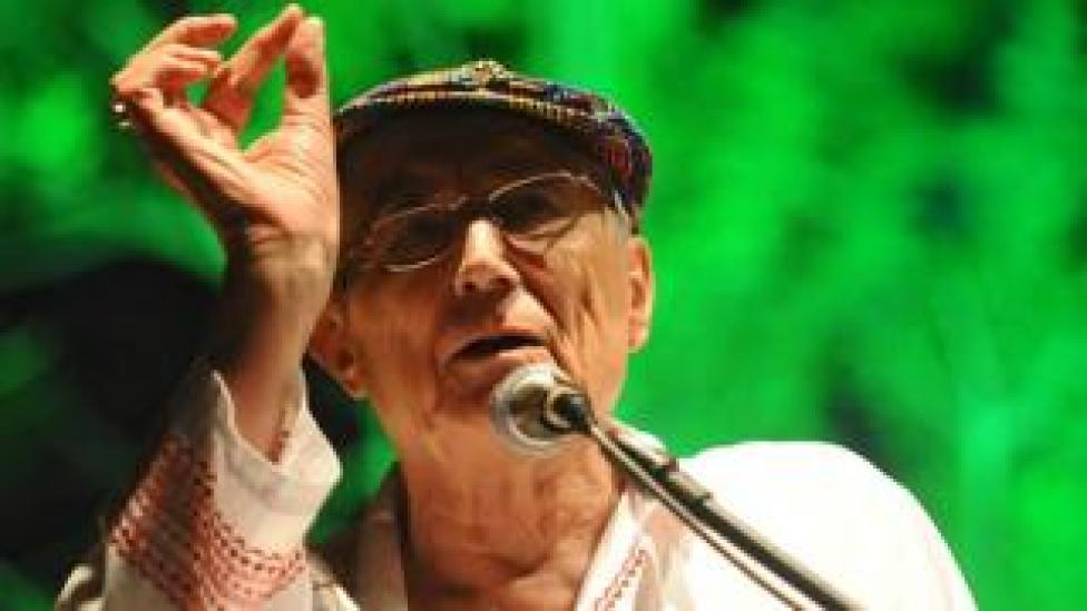 Yevgeny Yevtushenko at International Poetry Festival, Colombia 2010