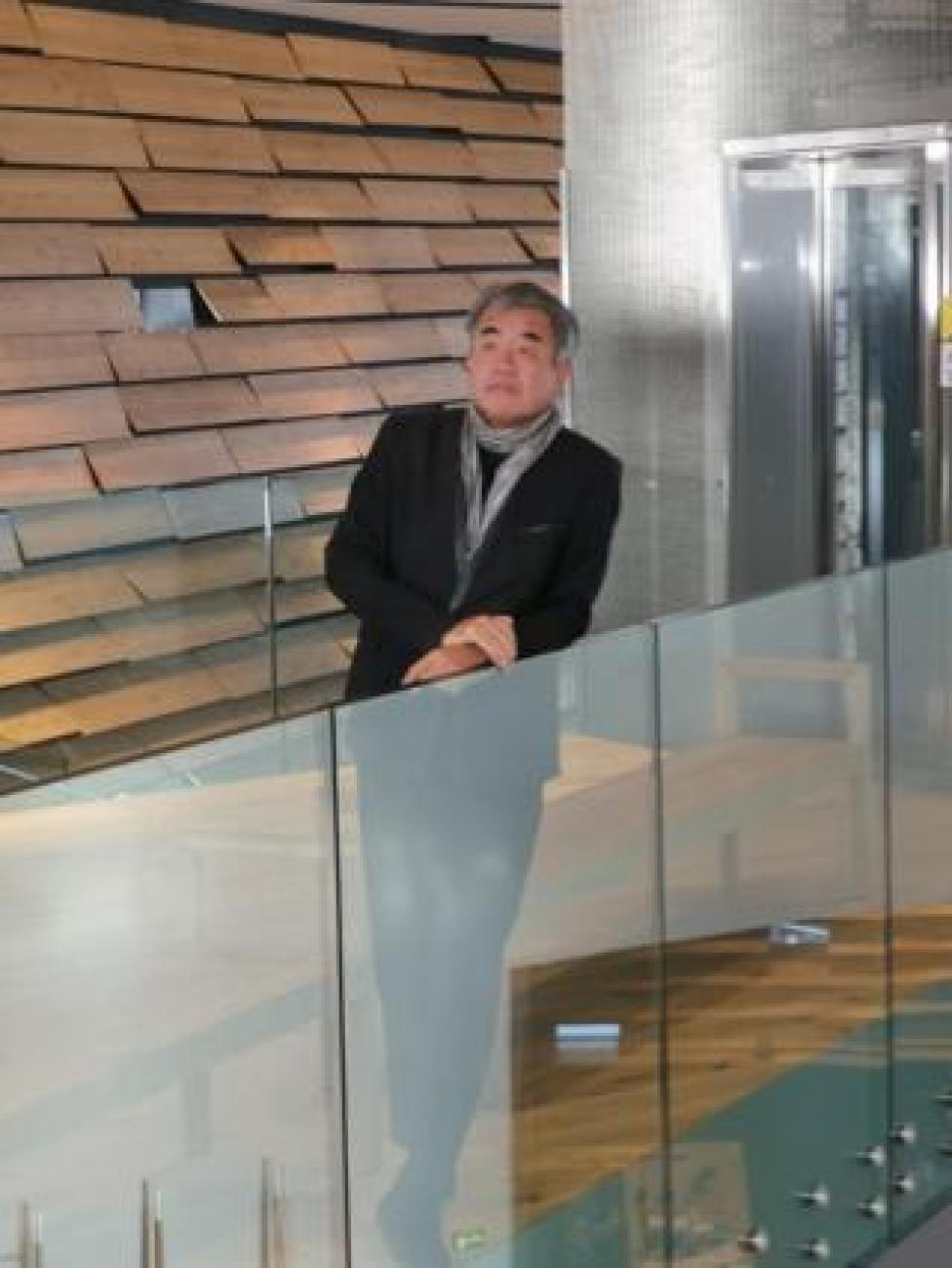 Japanese architect Kengo Kuma at the opening of his new museum