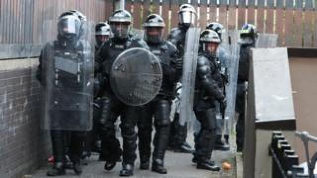 PSNI riot officers