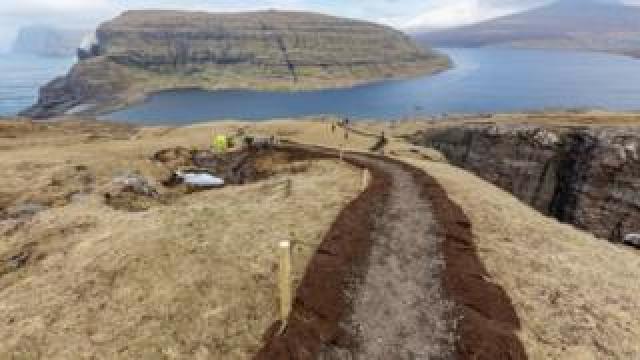 A grovel path on Klakkur mountain near Klaksvík