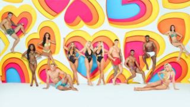 12 of the Love Island contestants