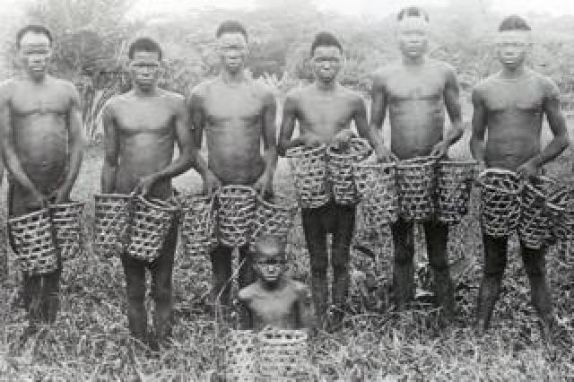 A group of Bongwonga rubber workers, c1905.