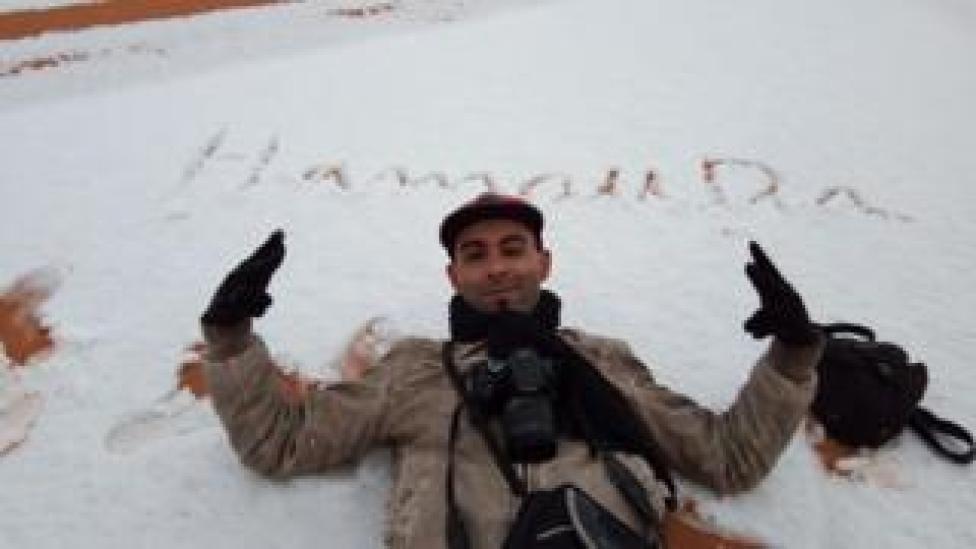 El fotógrafo Hamouda Ben jerad en la nieve. (Foto: gentileza Hamouda Ben jerad)