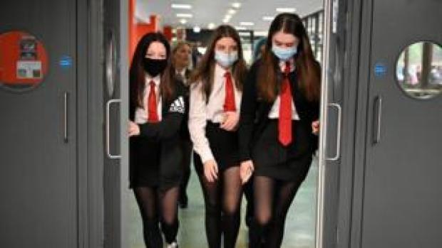 School pupils in masks in Glasgow