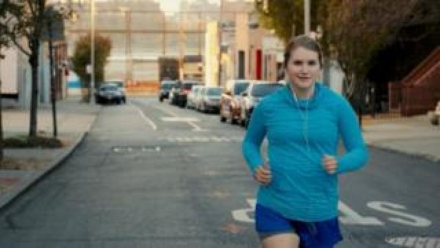 Jillian Bell in Brittany Ran A Marathon