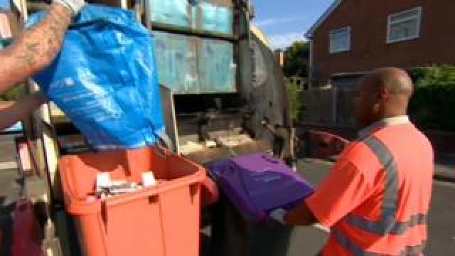 Bin workers out collecting in Telford