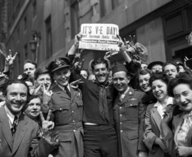 Crowds celebrate VE Day
