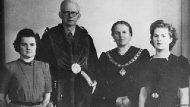 Margaret Thatcher (far right), with her parents Alfred and Beatrice and her sister Muriel