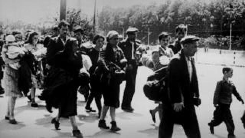 Jewish families head towards US-controlled zones in Austria - near Bratislava, 1946