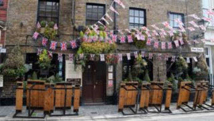 Pubs in Britain closed since March 23