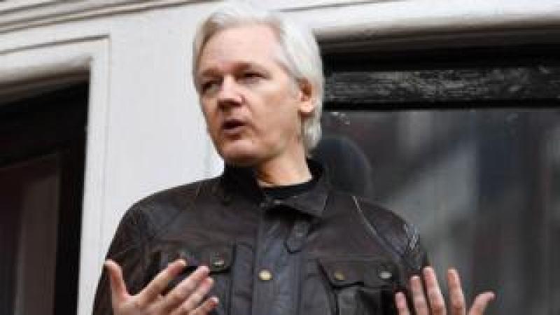 Julian Assange speaking at the Ecuadorian embassy in London