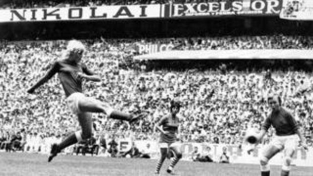 Denmark's Lis Lene Nielsen shoots at goal in the 1971 Women's WC Final in the Azteta Stadium