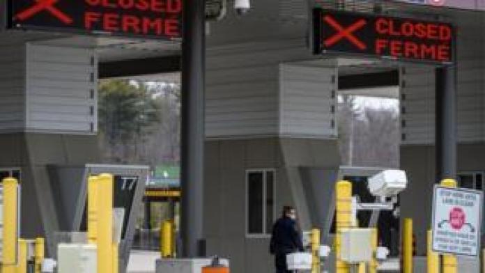 Canadian border checkpoint at Landsdowne, Ontario, March 19