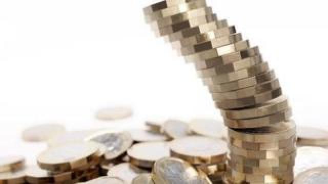 Pound coins tumbling