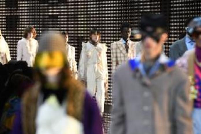 9b60c5a142 Desfile de moda de Gucci en la semana de la moda de Milán febrero de 2019