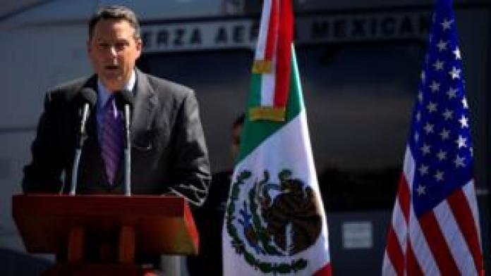 John Feeley speaking in Mexico in 2010
