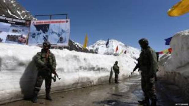 Military personnel on Sino-Indian border