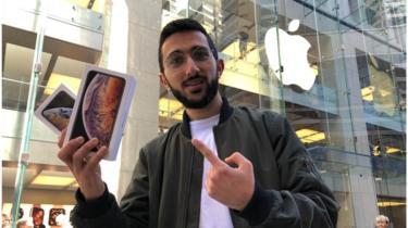 Mazen Kourouche, en la tienda Apple de Sídney, Australia.