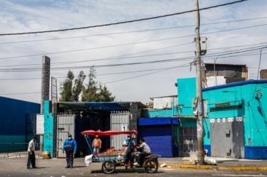 Vendedor informal en Perú.