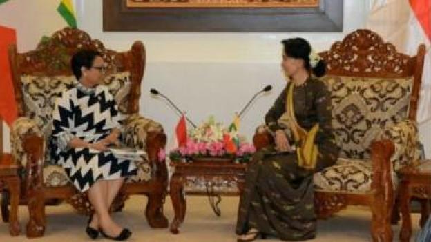 Menlu Indonesia Retno Marsudi sudah bertemu dengan Aung San Suu Kyi untuk meminta pemerintah Myanmar menghentikan kekerasan di Rakhine.
