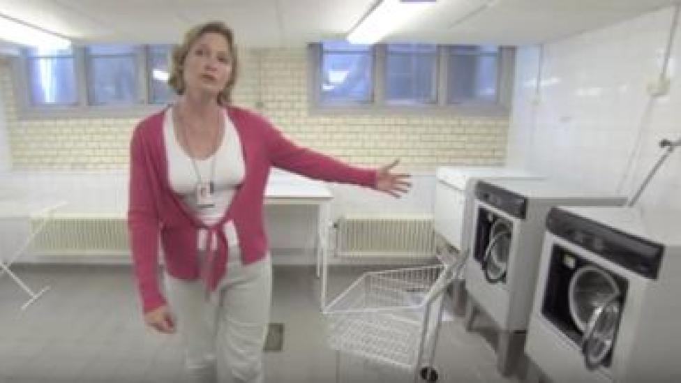 Lavanderia de prédio com apartamento funcionais para parlamentares