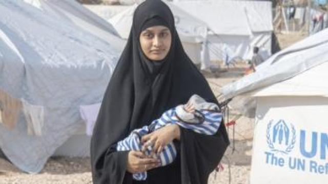 Shamima Begum with her third child Jarrah, who died on Thursday