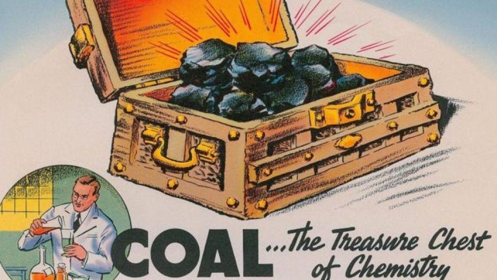 تعد المواد الكيماوية المنبعثة من عمليات مثل إشعال الفحم من بين العوامل التي تؤدي إلى إصابة غير المدخنين بسرطان الرئة