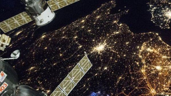 اتخذ رواد فضاء من محطة الفضاء الدولية موطنا لهم في الفضاء، وأطلوا منها على مشهد متميز للأرض