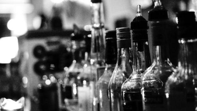 garrafas de alcool