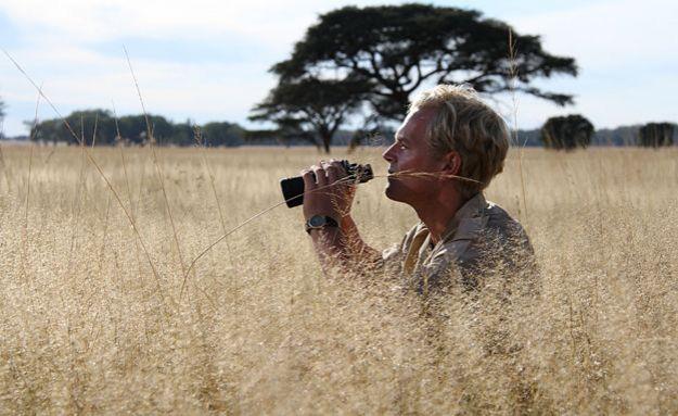 Tony Sinclair cuando era joven en Serengueti
