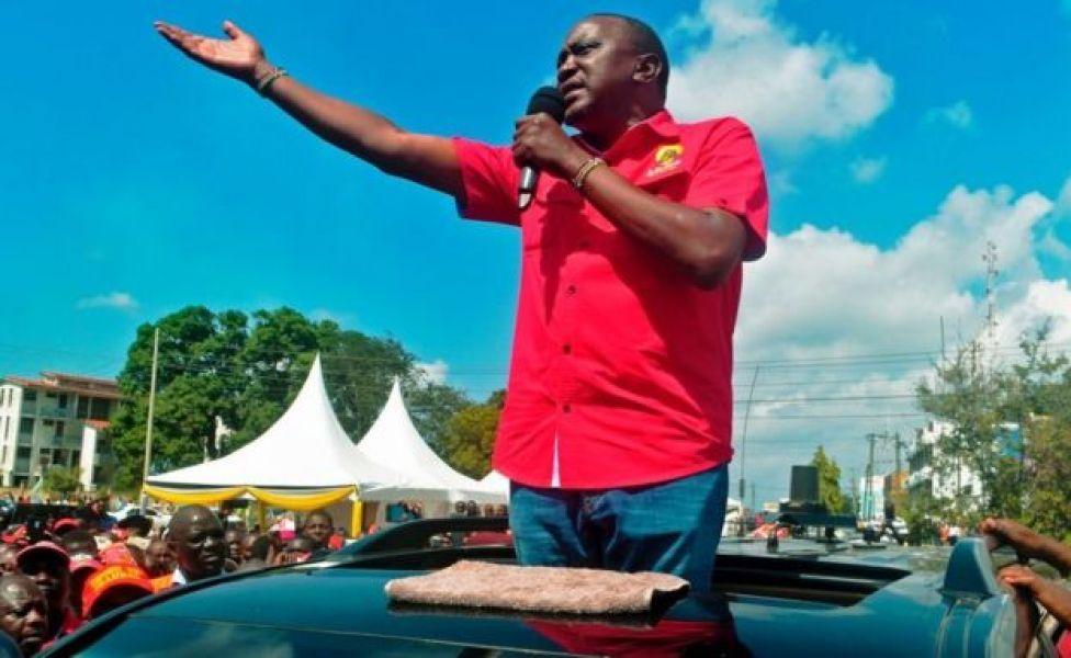 Uhuru Kenyatta oo fagaare kala hadlaya taageerayaashiisa