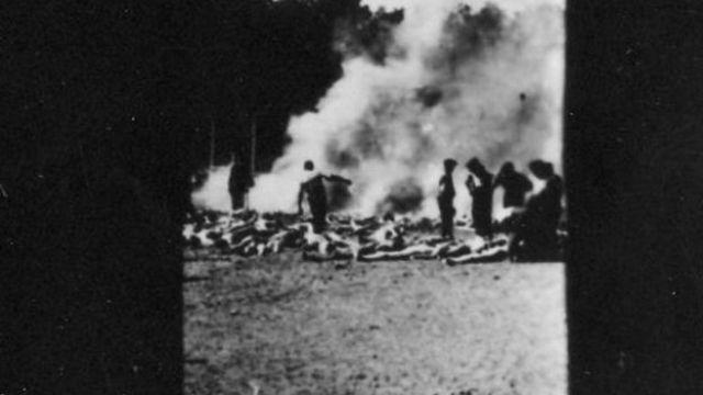 Víctimas del Holocausto incineradas en un pozo