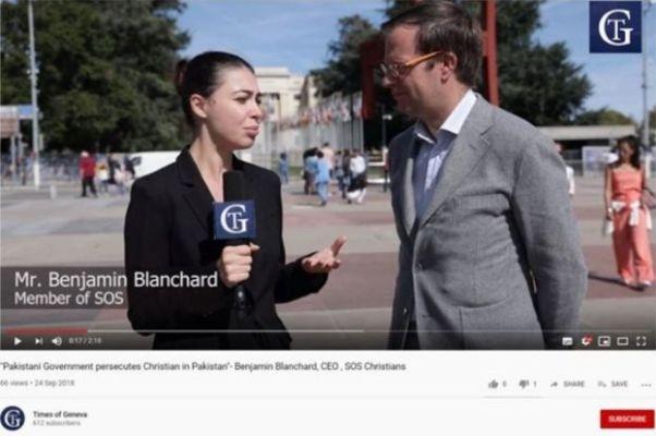Zrzut ekranu wideo z witryny Times of Geneva przedstawiającej reportera przeprowadzającego wywiad z Benjaminem Blanchardem