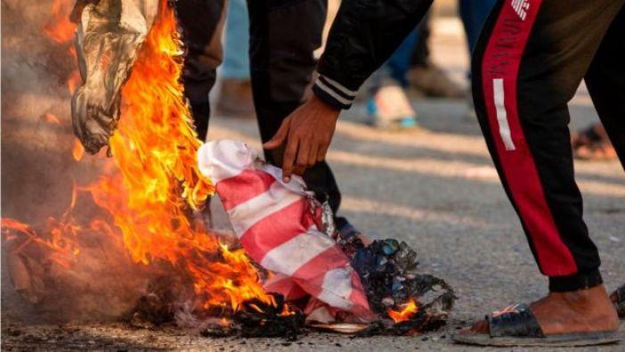 Quema de bandera de Estados Unidos