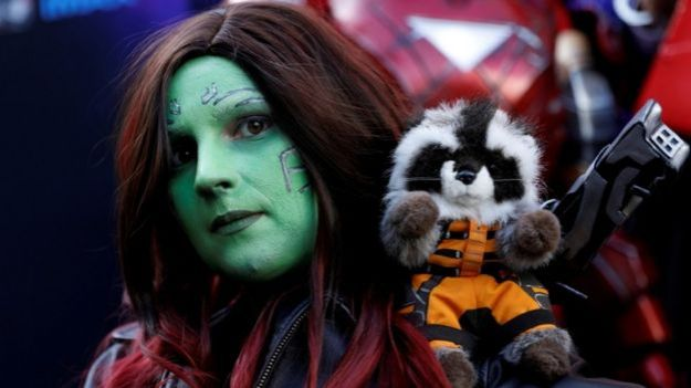 Una fanática vestida como Gamora.