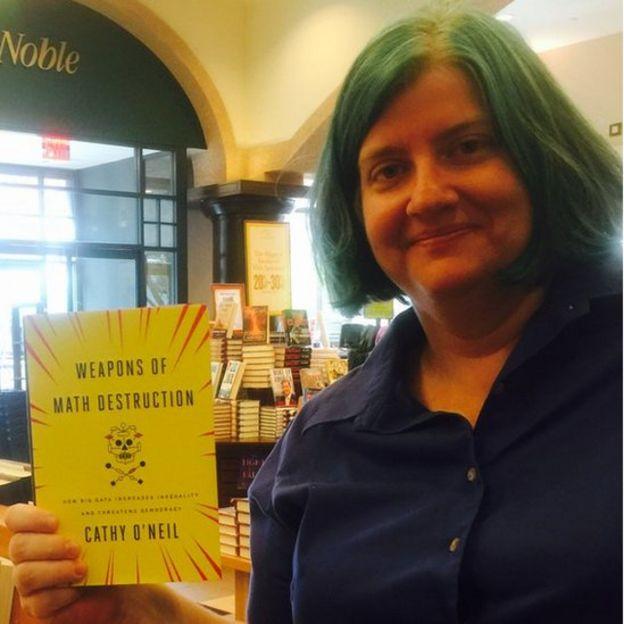 Cathy O'Neil em lançamento de seu livro