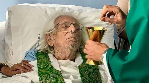 Primera misa de Ernesto Cardenal después del perdón papal