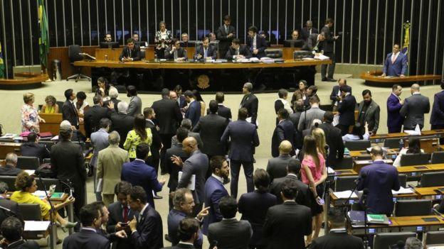 Votação na Câmara do PL 3723