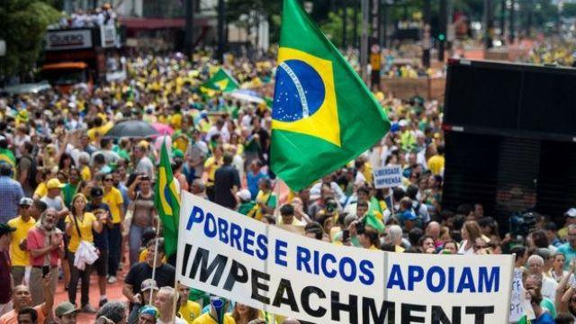 Protesto pelo impeachment de Dilma