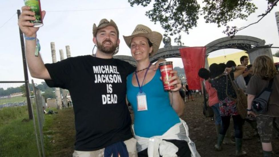 "Fans at Glastonbury 2009 with ""Michael Jackson is dead"" T-shirt"