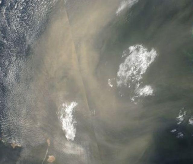 Nube De Polvo Entre Senegal Y Cabo Verde