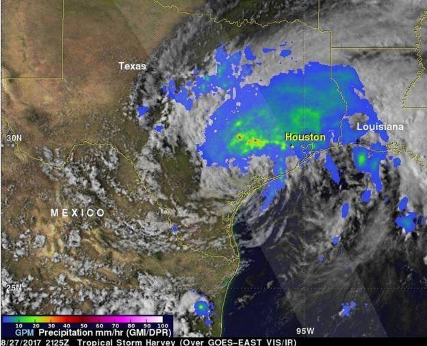 Imagen desde el espacio sobre el huracán Harvey sobre el área de Houston